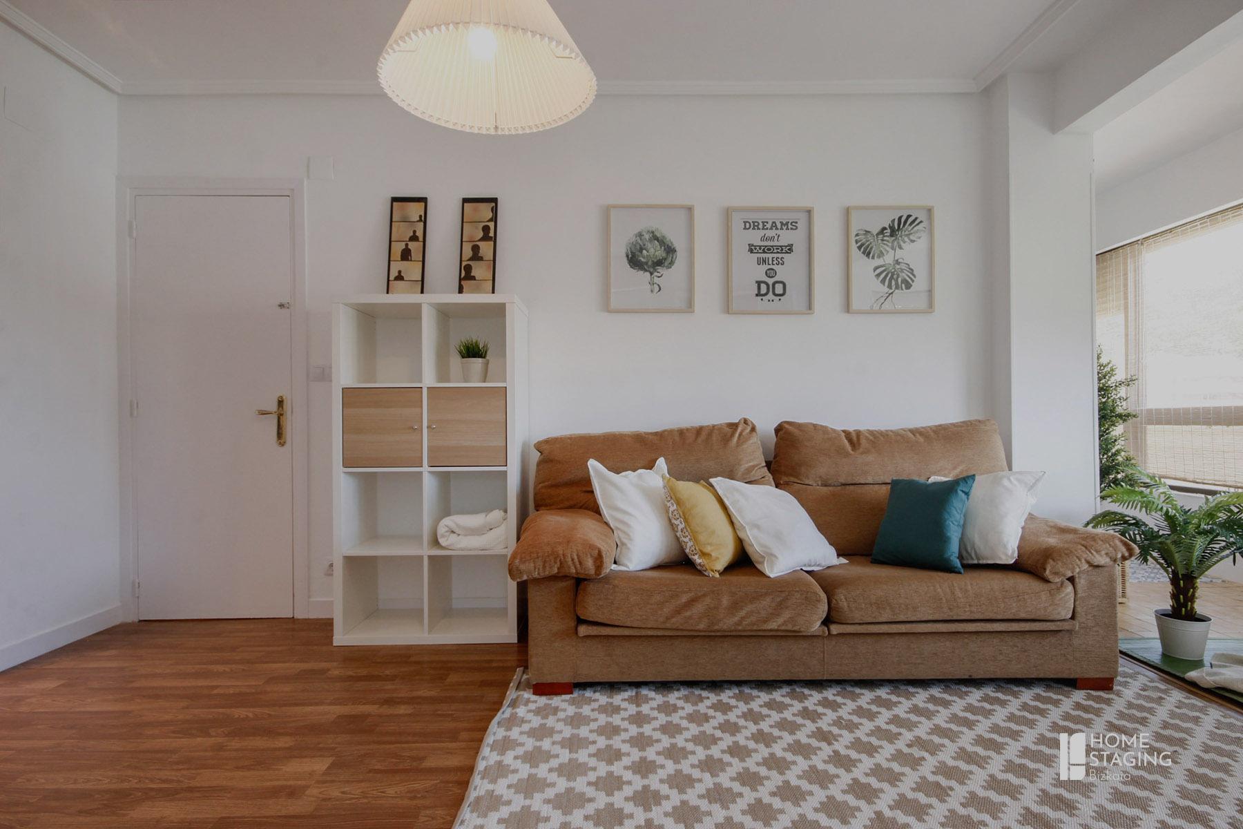 alfombra-salón-alquiler-vacaciona-home-staging