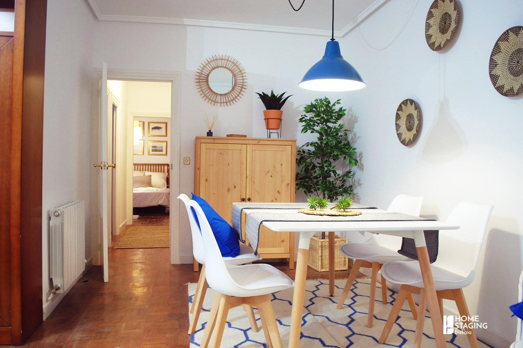 mesa de comedor-piso-alquiler- la casilla-bilbao
